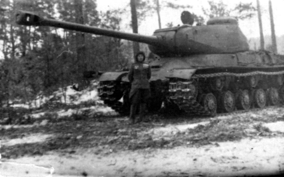 Комполка и ИС-2 накануне Висло-Одерской операции, январь 1945
