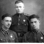 Слево-направо: начальник тыла Хайкин В.М., в центре – начальник штаба полка ПарушевН.К., замкомполка Жаркой Ф.М.